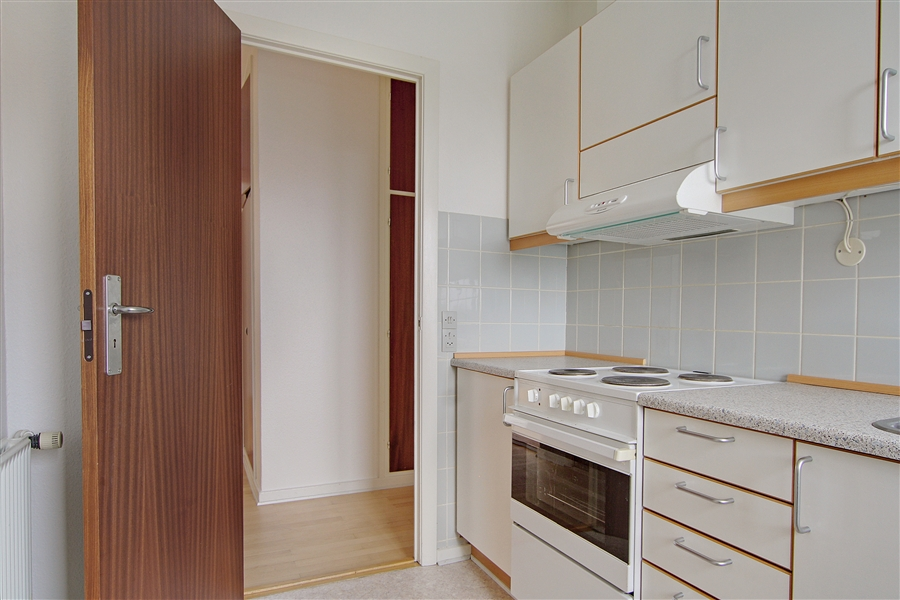 vacant apartment image